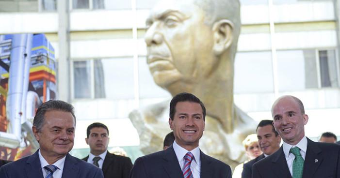 En Aniv. de Expropiación Petrolera, Peña defiende su reforma energética