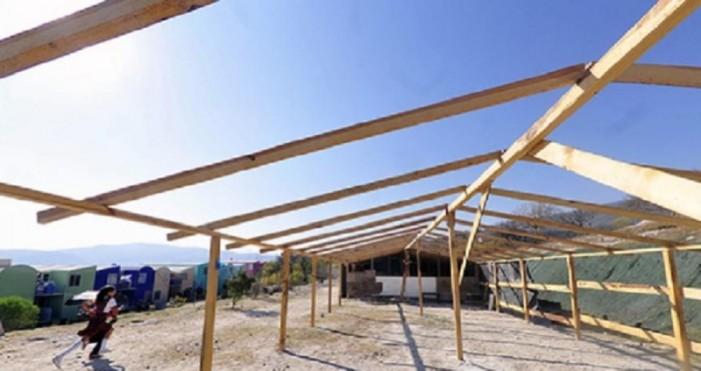 Padres construyen escuela porque gobierno no concreta en Guerrero
