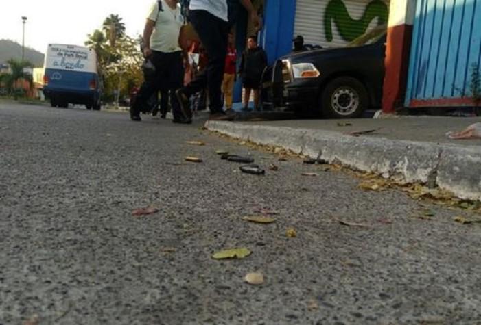 Balacera cerca de prepa en Zihuatanejo deja un muerto y pánico