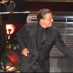 Warner demanda a Luis Miguel