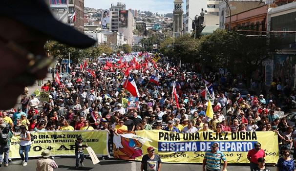 Grandes marchas en Chile contra sistema de pensiones privado