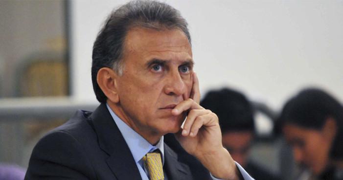 Yunes trabaja con mandos policíacos acusados de delitos con Javier Duarte
