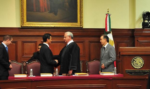 Proponen en la Corte negar datos de vuelos de Peña Nieto