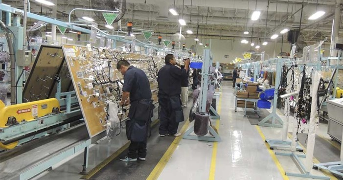 Despide maquiladora de EU a 600 trabajadores en Chihuahua