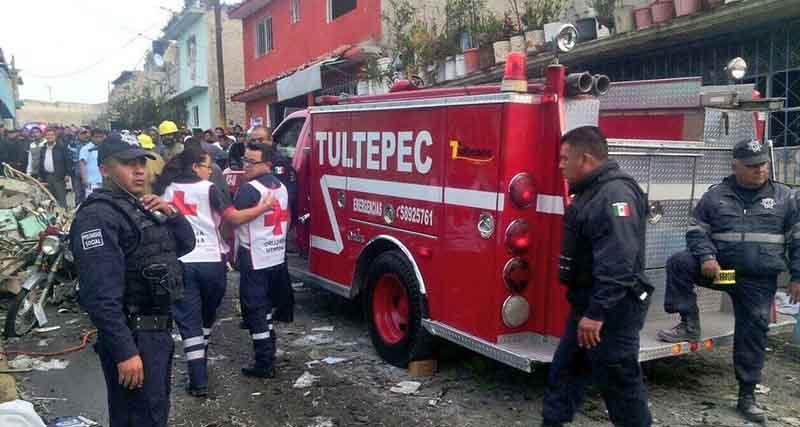 Estalla otro taller de pirotecnia en Tultepec; un muerto