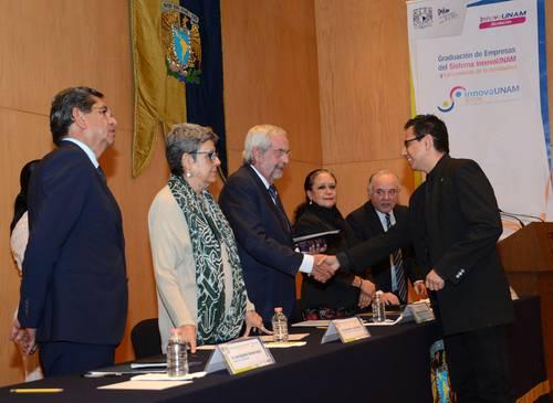 UNAM reconoce proyectos emprendedores de 26 jóvenes universitarios