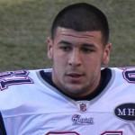 Aaron Hernandez, ex estrella de la NFL se suicida en su celda