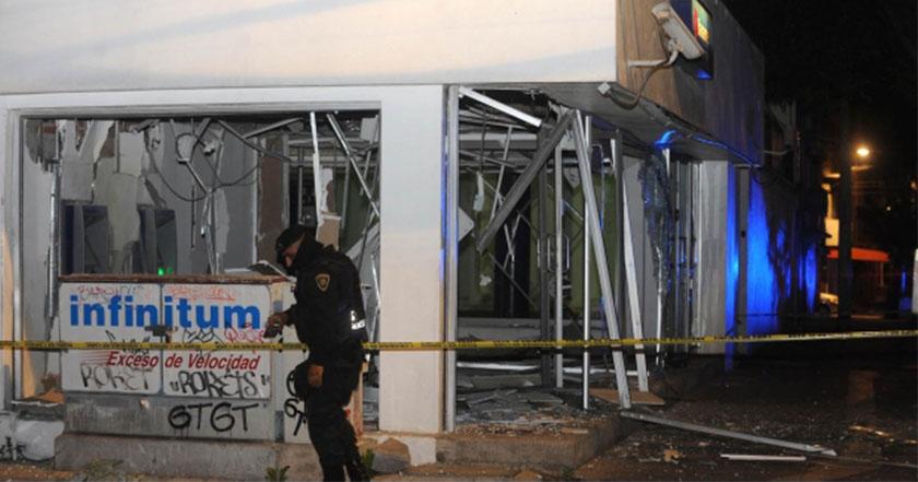 Artefacto explota en cajero de pedregal Santo Domingo, Coyoacán