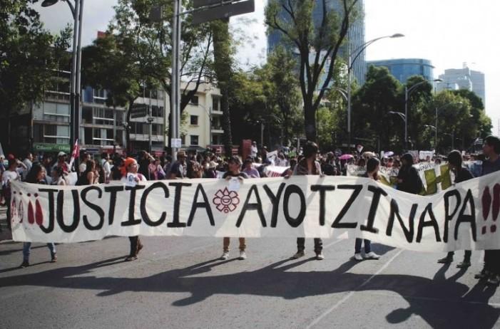 Familiares de los 43 exigen a PGR que concluya investigación o volverán a las calles