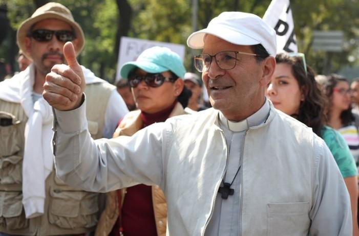 Padre Solalinde respalda a AMLO: Margarita Zavala y Peña lo ignoraron