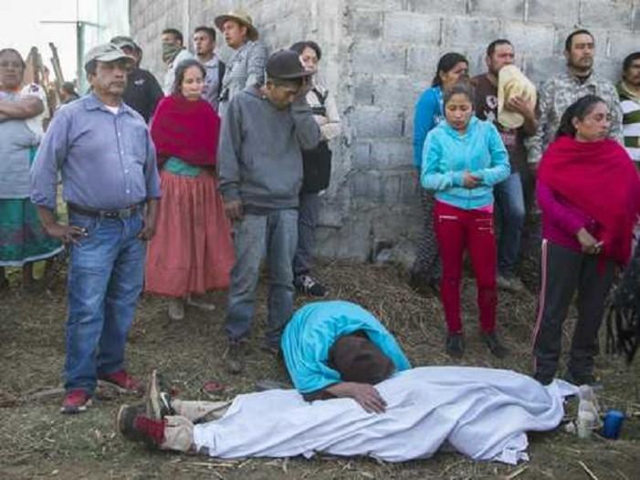 Pueblo de Arantepacua demanda investigación a fondo por sus muertos