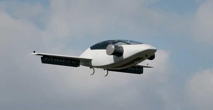 Pruebas de auto volador resultaron un éxito (VIDEO)