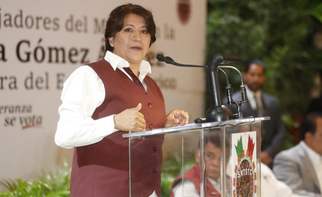 Delfina Gómez reconoce descuentos a trabajadores de Texcoco