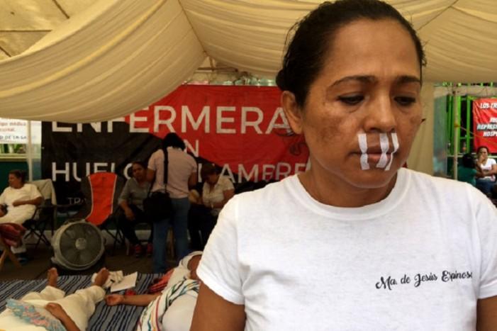 Trata Chiapas de culpar a las enfermeras por seguir en huelga, pero persiste desabastecimiento