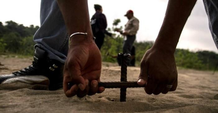 Policía del gobierno de Duarte entregó a personas para ser desaparecidas, hay 10 mil restos en un rancho