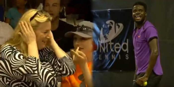 Extraños gemidos interrumpen partido de tenis