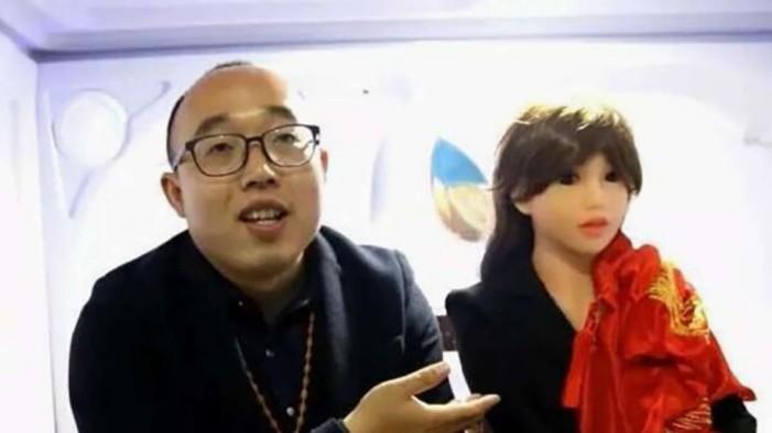 Ingeniero chino que trabajó en Huawei se casa con una robot