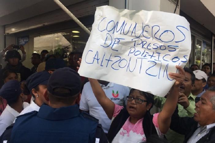 Expulsan a Silvano Aureoles de Feria Artesanal al grito de 'asesino' (VIDEO)