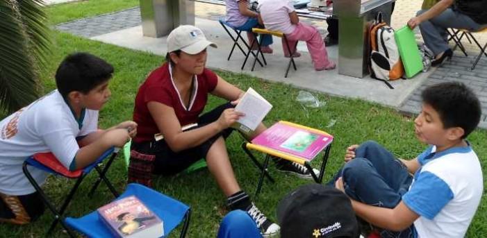 Libros y parques, opción para niños que no pudieron ir de vacaciones