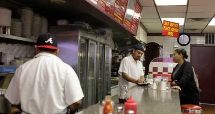 Mexicanos duplicaron sus sueldos en Estados Unidos, revela estudio
