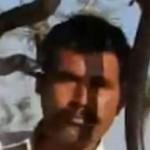 Quiso tomarse foto con cobra, lo mordió y murió (VIDEO)
