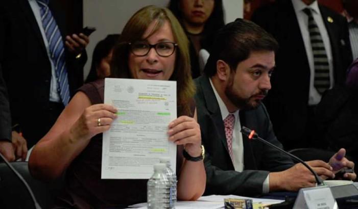 PRI y PAN protegen a funcionaria de Pemex que incurrió en 'tráfico de influencias'