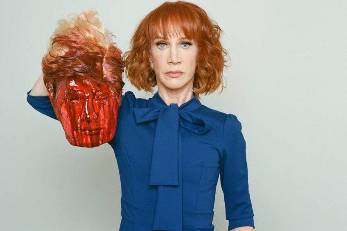 Desata polémica actriz por posar con cabeza ensangrentada de Trump