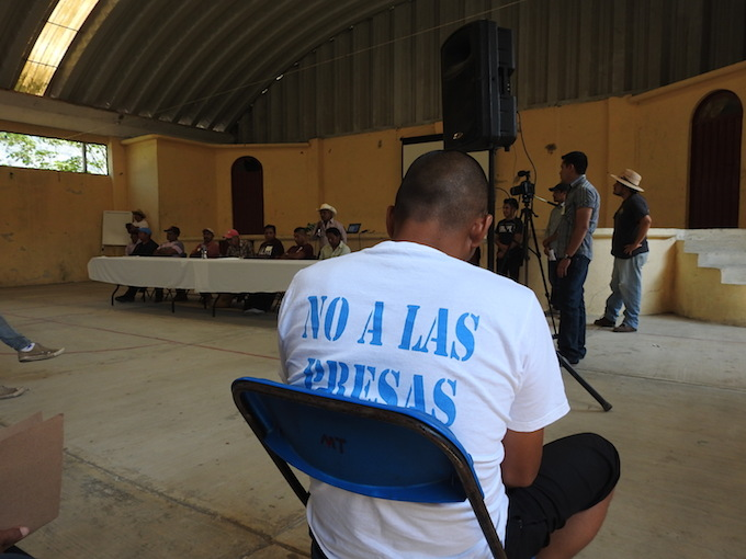 Zapata y Cristo se cruzan en la lucha contra megaproyectos