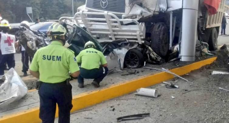 27/05/2017 @ 12:09 Choque en autopista Lerma-La Marquesa deja 4 muertos