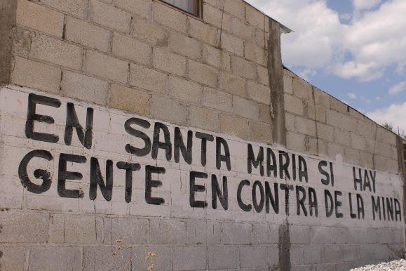 Pobladores de Ixtacamaxtitlán responsabilizan de la violencia al gobierno