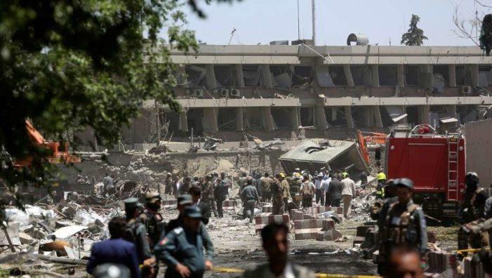 Atentando en Kabul deja 80 muertos y más de 300 heridos