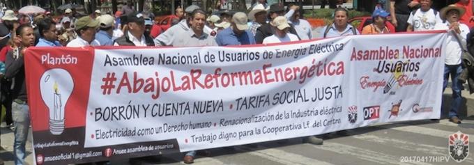 Usuarios en plantón más de 40 días contra altas tarifas de electricidad