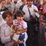 AMLO hace otro llamado al PRD: 'declinen por Delfina ahora'