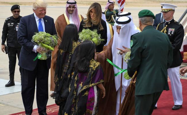 Melania e Ivanka Trump se niegan a cubrirse la cabeza en Arabia Saudita