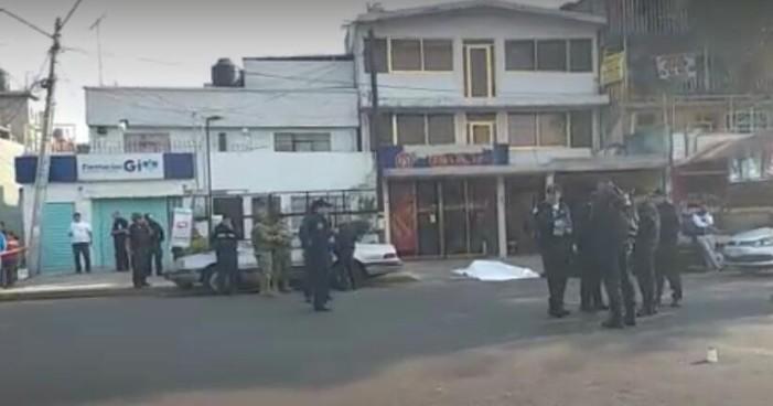 Desde auto en movimiento asesinan a automovilista en Coyoacán