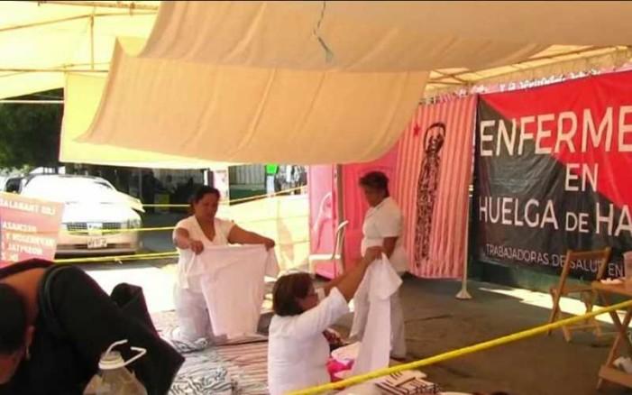 Marchan médicos en Oaxaca en apoyo a enfermeras de Chiapas
