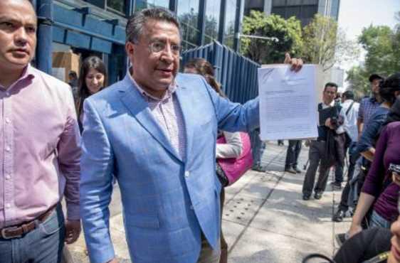 Declina candidato del PT al EdoMex, a favor de Delfina Gómez