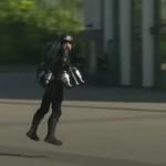 Presentan traje de vuelo de propulsión estilo Ironman