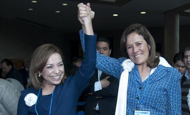 Vázquez Mota firma acuerdo contra el aborto y matrimonios gay