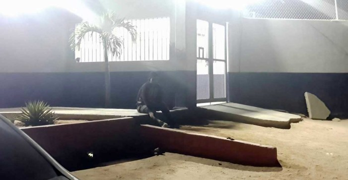 Ciudadanos capturan a ladrón, luego en menos de una hora la policía lo libera