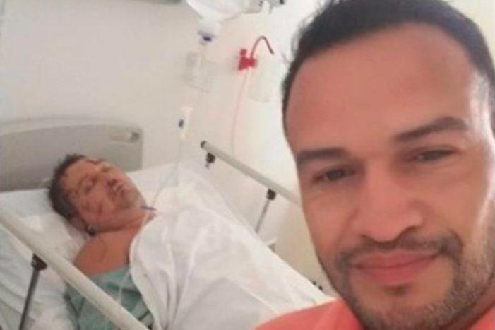 Sancionaran a empleado que se burló y se tomó selfie con lord Nazi Ruso