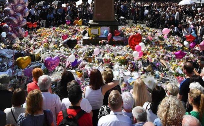 Ariana Grande hará concierto de beneficencia por las víctimas de concierto en Manchester