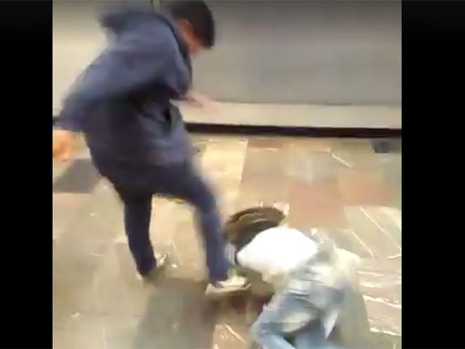 Golpea a sujeto por insultar a conductora del Metro