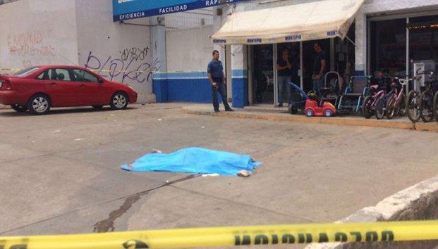 Presunto novio asesina a navajazos a adolescente embarazada