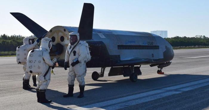 Nave espacial de EU vuelve de misión de dos años sobre la que nadie sabe nada
