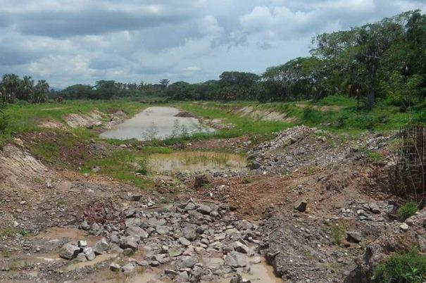 Abandonan 'La obra del siglo' en Nayarit, Peña, Videgaray, el gobernador