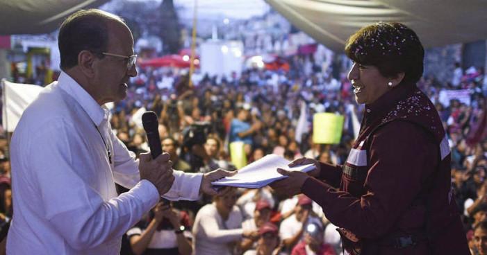 Padre Solalinde entrega a Delfina Gómez propuesta de atención a migrantes