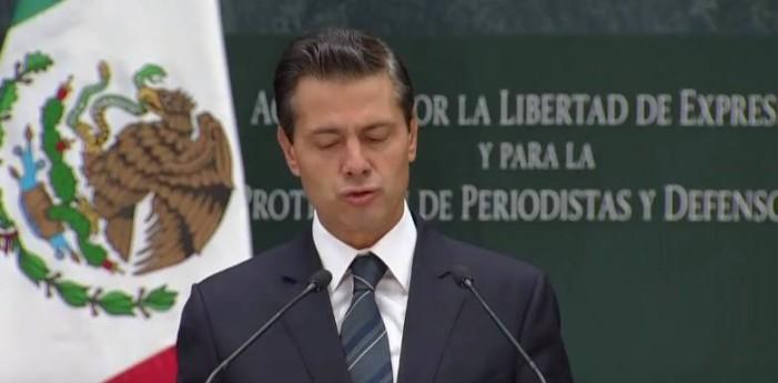 Peña Nieto guarda minuto de silencio por periodistas asesinados