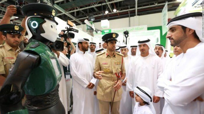 Emiratos Árabes presenta el primer robot policía