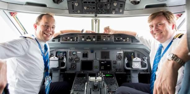 Rey de Holanda lleva 21 años pilotando vuelos de pasajeros de incógnito